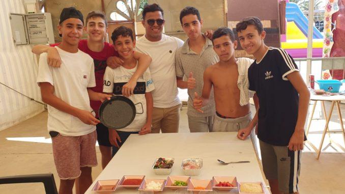 Yussef Kaddur con uno de los equipos participantes