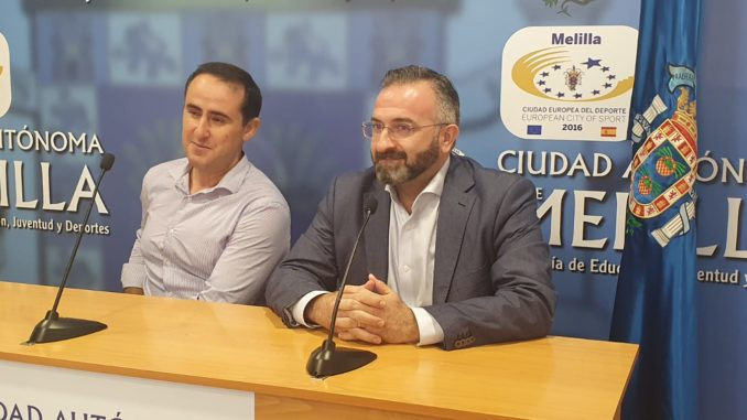 Jalid Said, viceconsejero de Deportes y Luis Manuel Rincón, pte de la UD Melilla