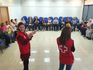 Un momento de la charla-taller en Aulas Culturales para Mayores